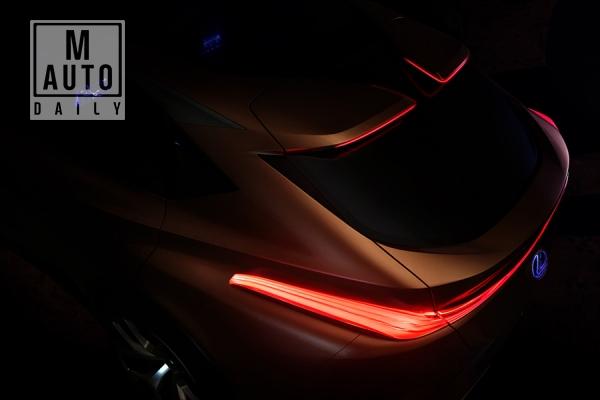 렉서스가 내년 1월 2018 디트로이트 모터쇼에서 고성능 플래그쉽 크로스오버 콘셉트인 LF-1 Limitless를 공개한다.