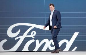 Ford Jim Parley CEO, LG.  SK 이노베이션 협약 요구
